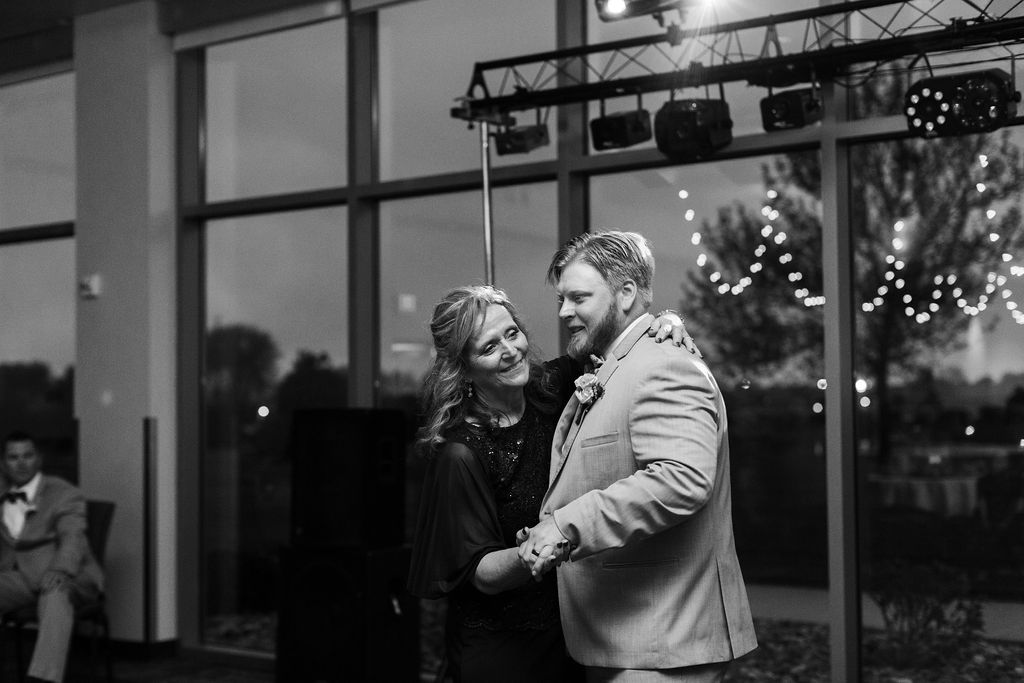 Ben+Bailey Wedding | The Terrace View | Weddings & Special Events Venue near me | Venues in Northwest Iowa | Indoor and Outdoor wedding